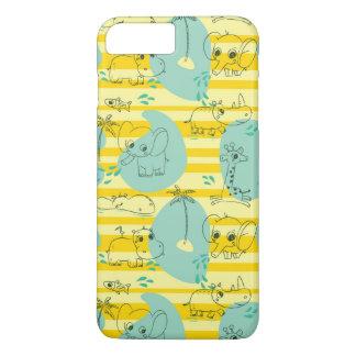 Süße Tiere, die mit Wasser 2 spielen iPhone 7 Plus Hülle