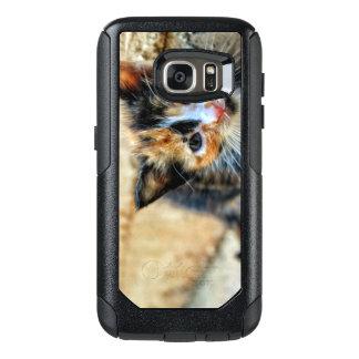 Süßes Kätzchen, das SIE betrachtet OtterBox Samsung Galaxy S7 Hülle