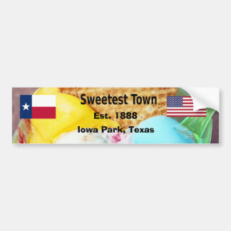 """""""Süßeste Stadt"""" Entwurf für Iowa-Park, Texas Autoaufkleber"""