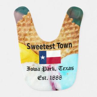 """""""Süßeste Stadt"""" Entwurf für Iowa-Park, Texas Babylätzchen"""