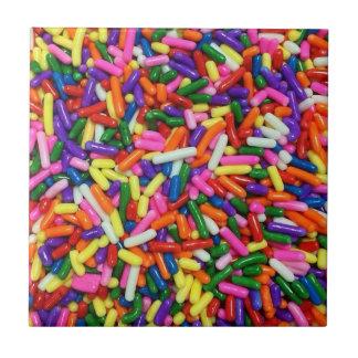 Süßigkeit besprüht kleine quadratische fliese