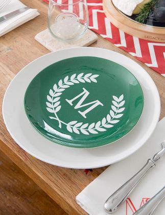 Unsere Teller mit Monogrammen eignen sich ideal als Weihnachtsgeschenk!