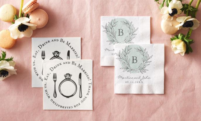 Servietten mit Namen von Braut & Bräutigam und Hochzeitsdatum sind der letzte Schrei!
