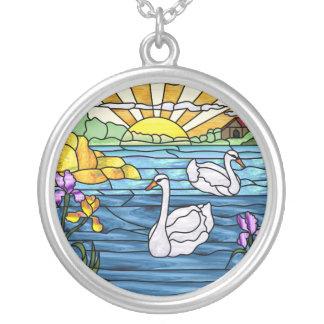 Swan See-Antiken-Buntglas-Entwurf Halskette Mit Rundem Anhänger