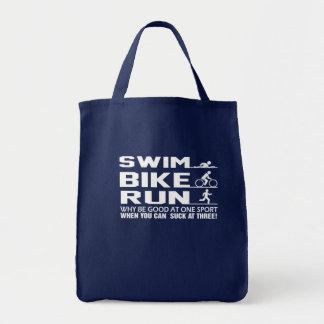 Swim-Fahrrad-Lauf kann am Triathlon-Shirt sind zum Tragetasche