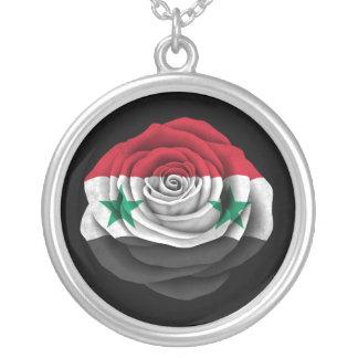 Syrische Rosen-Flagge auf Schwarzem Amulett