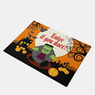 Szene Halloweens Frankenstein Vollmond des Türmatte