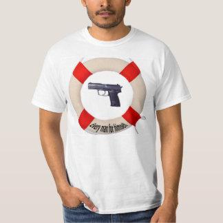 T-shirt mit Pistole und Rettungsring
