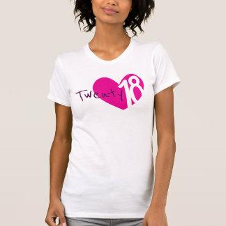 T - Shirt mit zwanzig 18 rosa Damen des Herzens