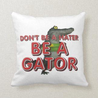 T-STÜCK ist Alligator Kissen