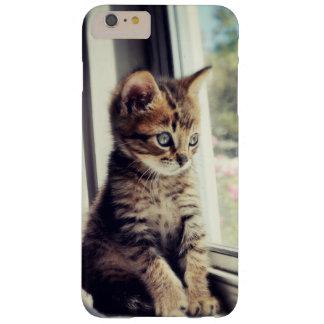 Tabby-Kätzchen-Aufpassen Barely There iPhone 6 Plus Hülle