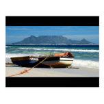 Tabellen-Berg mit Fischerbootpostkarten Postkarte