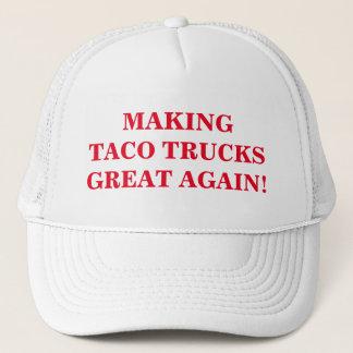 Taco machend, tauscht großes wieder. Kappe