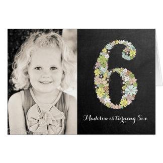 Tafel-Mädchen-laden Blumen6. Geburtstags-Party ein Karte