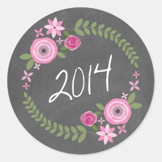 Tafelinspirierter rosa Blumenwreath-Absolvent 2014 Runder Aufkleber