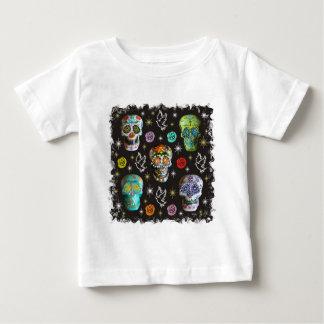 Tag der toten Schädel durch Dorothy Irvin Baby T-shirt