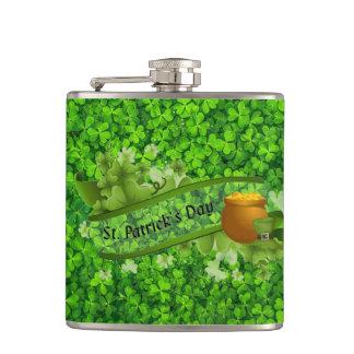 Tag St. Patricks Flachmann
