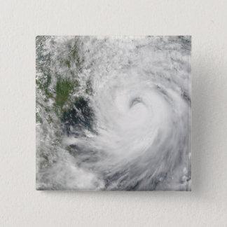 Taifun Prapiroon Quadratischer Button 5,1 Cm