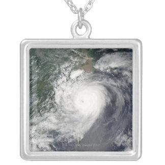 Taifun Versilberte Kette