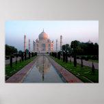 Taj Mahal am Tagesanbruch Plakate