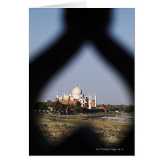 Taj Mahal Gebäude von einem Balkon mit der Form Karte