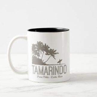 Tamarindo-Costa Rica-Surfer-Strand Zweifarbige Tasse