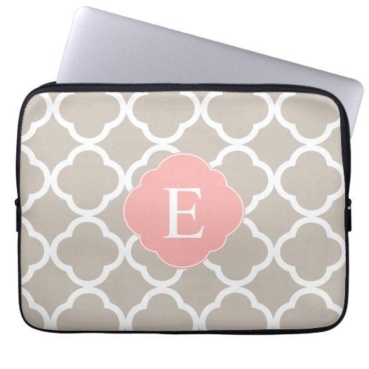 TAN-Pfirsich-Rosa Quatrefoil Monogramm Laptop Sleeve