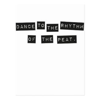 Tanz zum Rhythmus des Torfs Postkarte