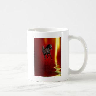 Tanzen auf Feuer Kaffeetasse
