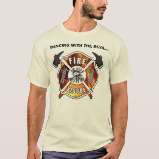 Tanzen mit dem Teufel T-Shirt