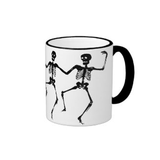Tanzen-Skelette (Halloween) Ringer Tasse