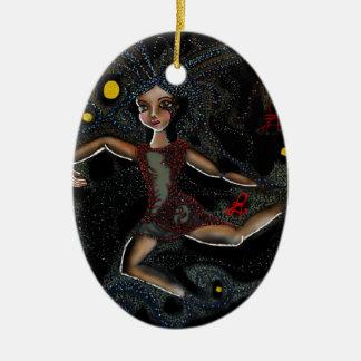 Tanzendes kosmisches Faye. Keramik Ornament