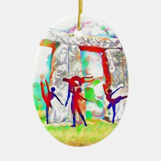 Tänzer bei Stonehenge Keramik Ornament