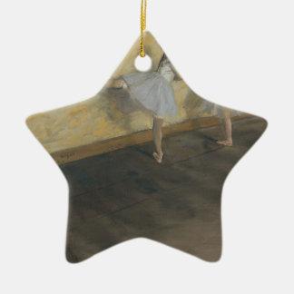 Tänzer, die am Barre - Edgar Degas üben Keramik Stern-Ornament