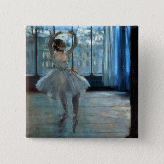 Tänzer Edgar Degass | vor einem Fenster Quadratischer Button 5,1 Cm
