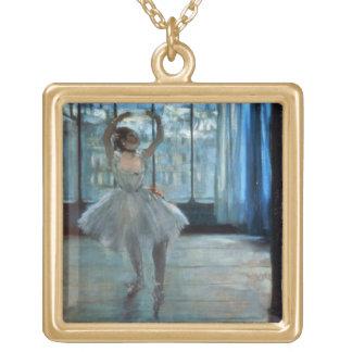 Tänzer Edgar Degass | vor einem Fenster Vergoldete Kette