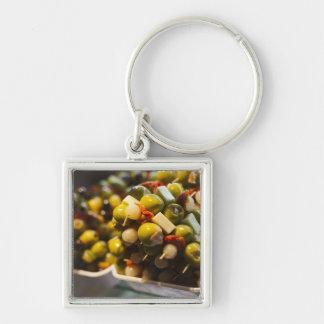 Tapas gemacht mit angefüllten Oliven Schlüsselanhänger