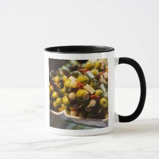 Tapas gemacht mit angefüllten Oliven Tasse