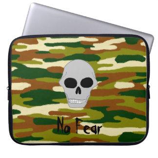 Tarnungs-Braun-und Grüntöne-Schädel stellen keine Laptopschutzhülle