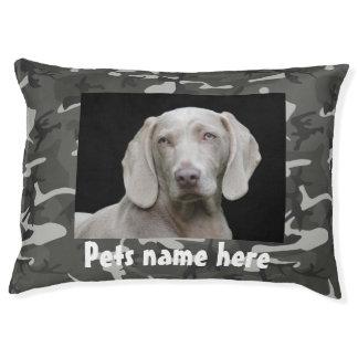 Tarnungs-Entwurf mit Ihrem Haustier-Namen und Foto Haustierbett