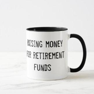 Tasse: Anheben des Geldes für Pensionsfonds Tasse