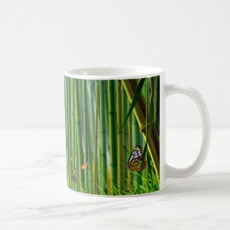 Tasse der Bambus-u. Schmetterlings-Kunst-1