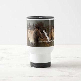 Tasse der wilde Pferddrei