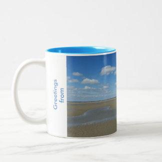 Tasse mit Strand- und Seemöweentwurf