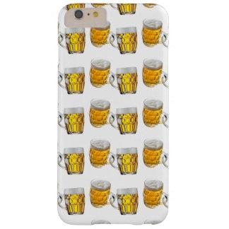 Tassen-Bier mit weißem Hintergrund Barely There iPhone 6 Plus Hülle