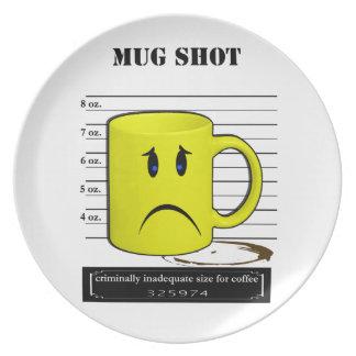Tassen-Schuss-Kaffee-Tassen-Schalen-Cartoon Meme Flacher Teller
