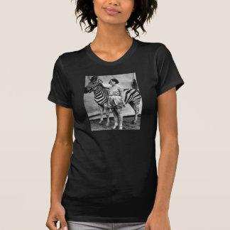 Tätowierte Zirkus-Dame und Zebra-T - Shirt