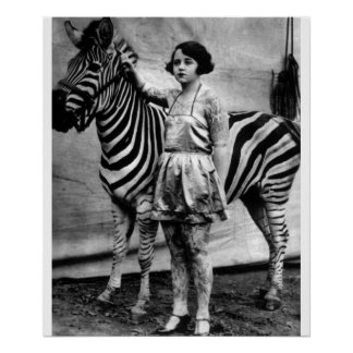 Tätowierte Zirkusdame und Zebra Poster
