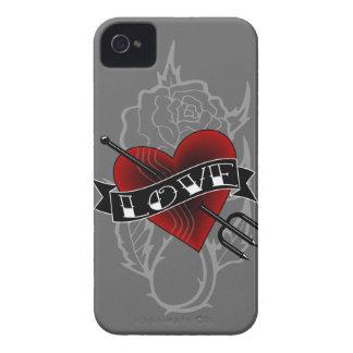 Tätowierungs-Herz-Heugabel iPhone 4 Case-Mate Hüllen