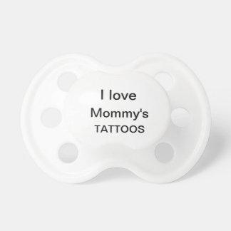 Tätowierungs-Schnuller der Mama